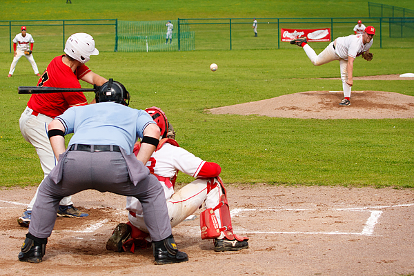 Lakenheath Diamondbacks had a walk-off semi-final victory over the Southampton Mustangs