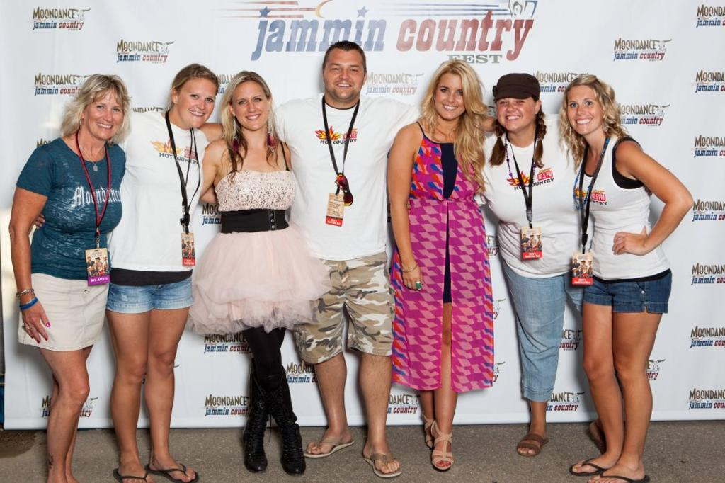 HOT COUNTRY 92.5 Crew with Bomshel at Moondance Jammin Country 2012  2012