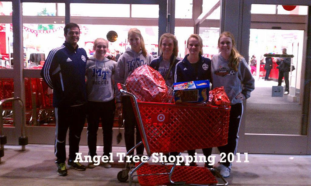 Angel_tree_shopping_2011_large