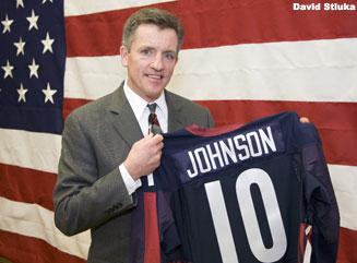 University Of Wisconsin To Retire Hockey Great Mark Johnson's Jersey (video)