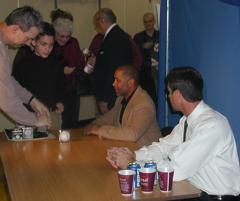 Ozzie & Von signing autographs at a previous banquet.