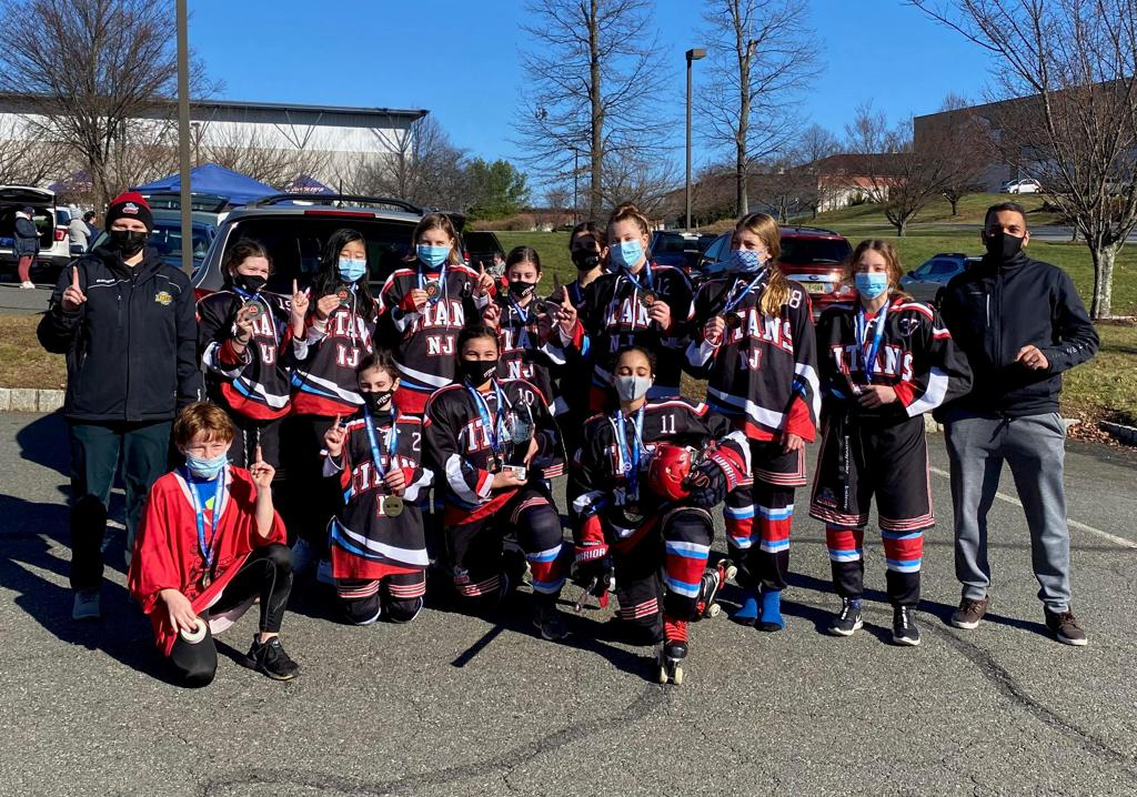 Girls 12U team wins 5 – 4 in overtime to win Sixth Annual Thanksgiving Invitational Tournament