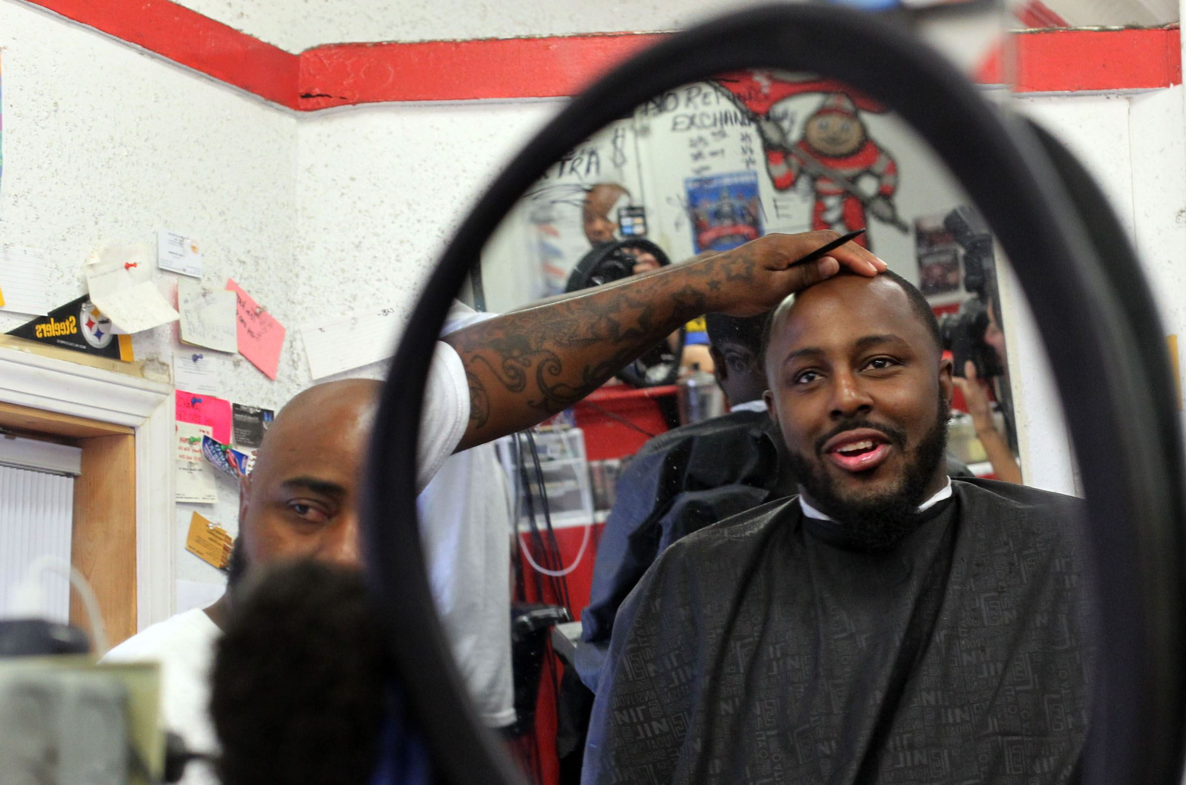 Haircut coupons toledo ohio - Charles Smith Smiles As He Inspects His Haircut In The Mirror At Da Shop In Toledo Ohio On September 11 2015 Smith Says He Comes In Once A Week For A