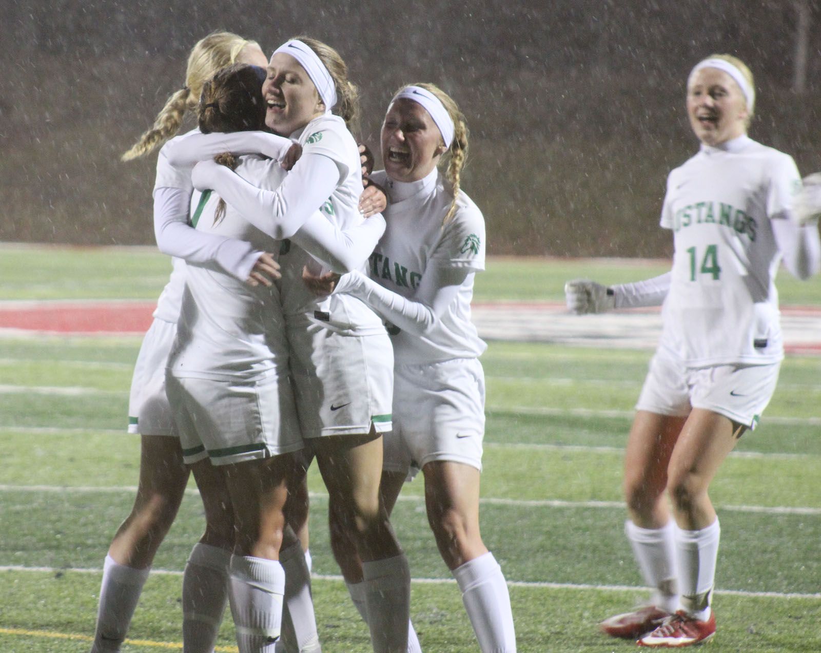 mounds view moves into semifinals after defeating centennial