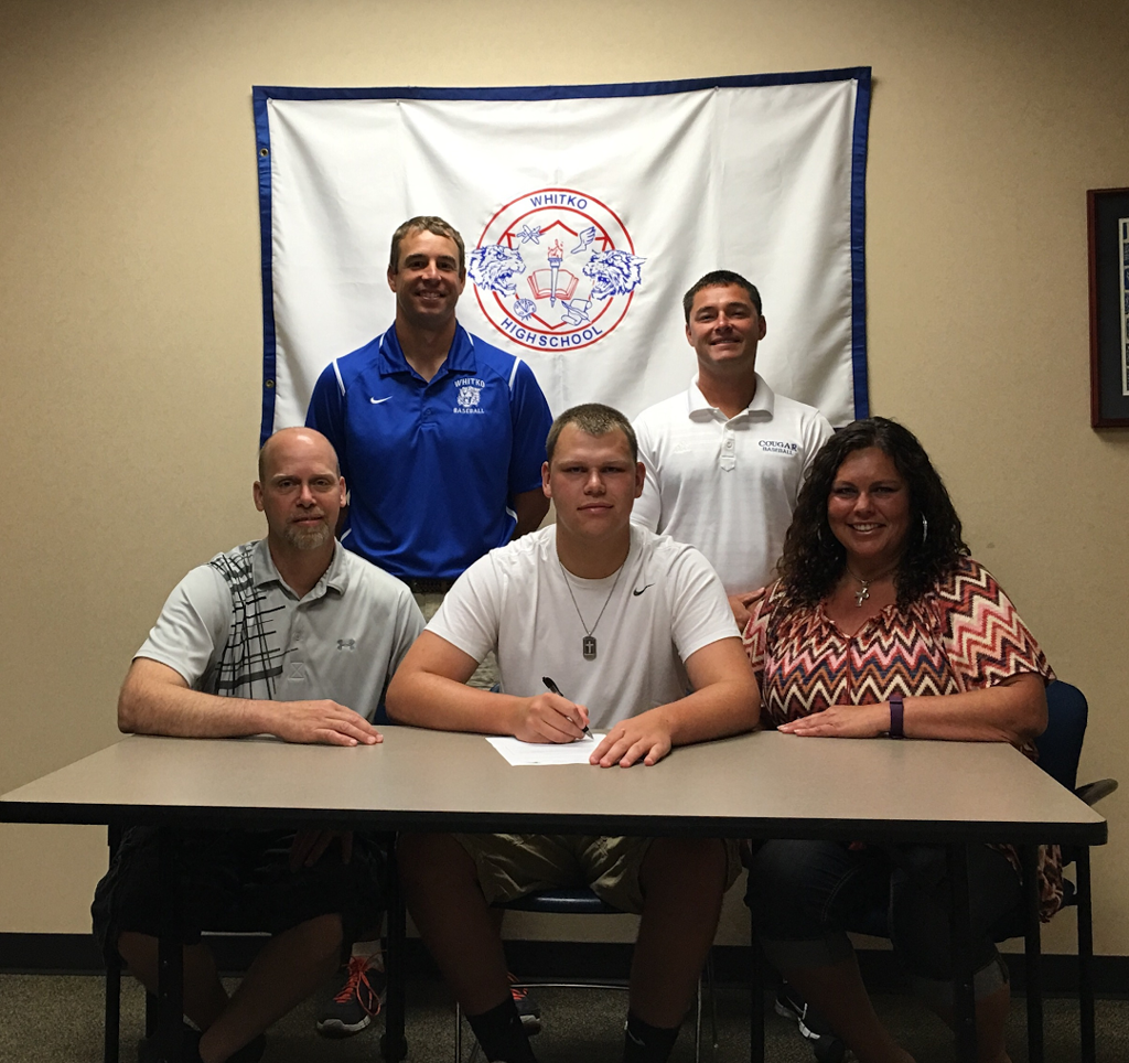 Tanner Gaff Signs at the University of St Francis