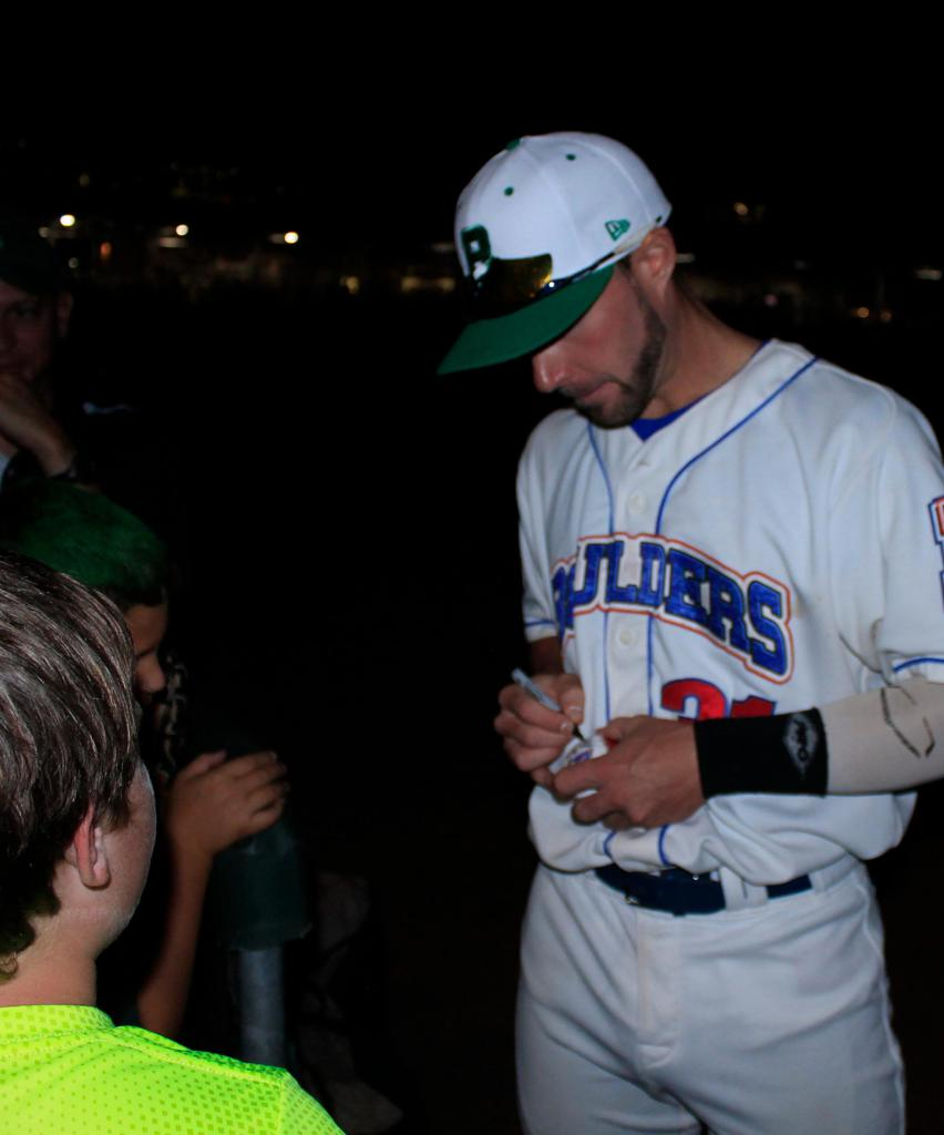 Boulders player give autograph during Boulders Irish Heritage Night in Pomona, NY.