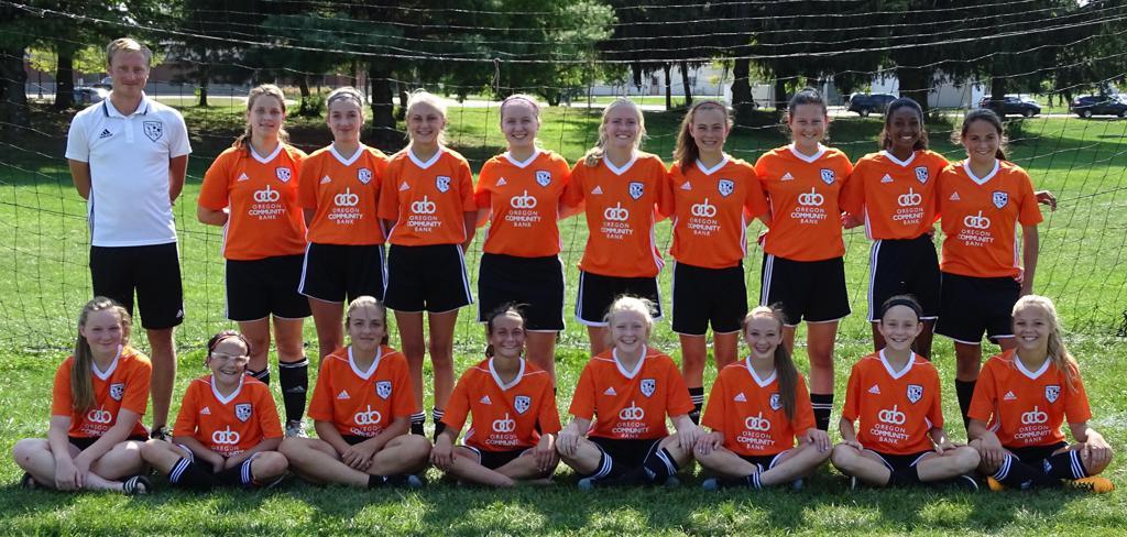 Oregon SC Under-14/15 Girls Orange team photo: 2017-18