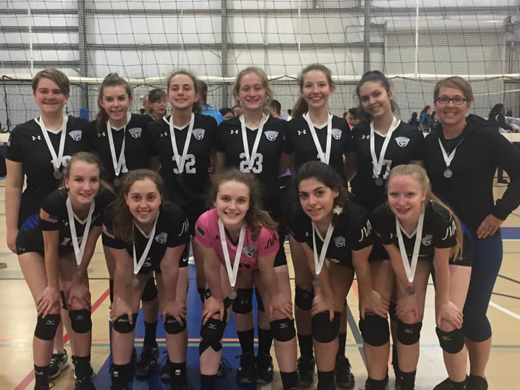 Congratulations 15U Daugherty on your 2nd place gold finish, way to bring it this weekend!!!