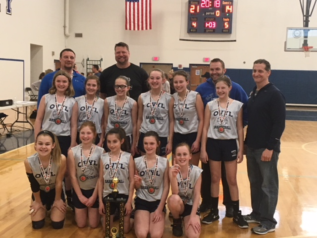 OVYL 6th Grade Girls Basketball Team and Coaches