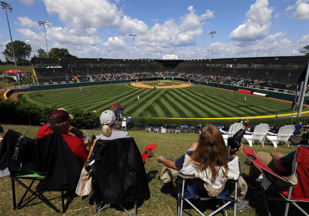 Fans Welcome As Baseball Returns To Northern Virginia