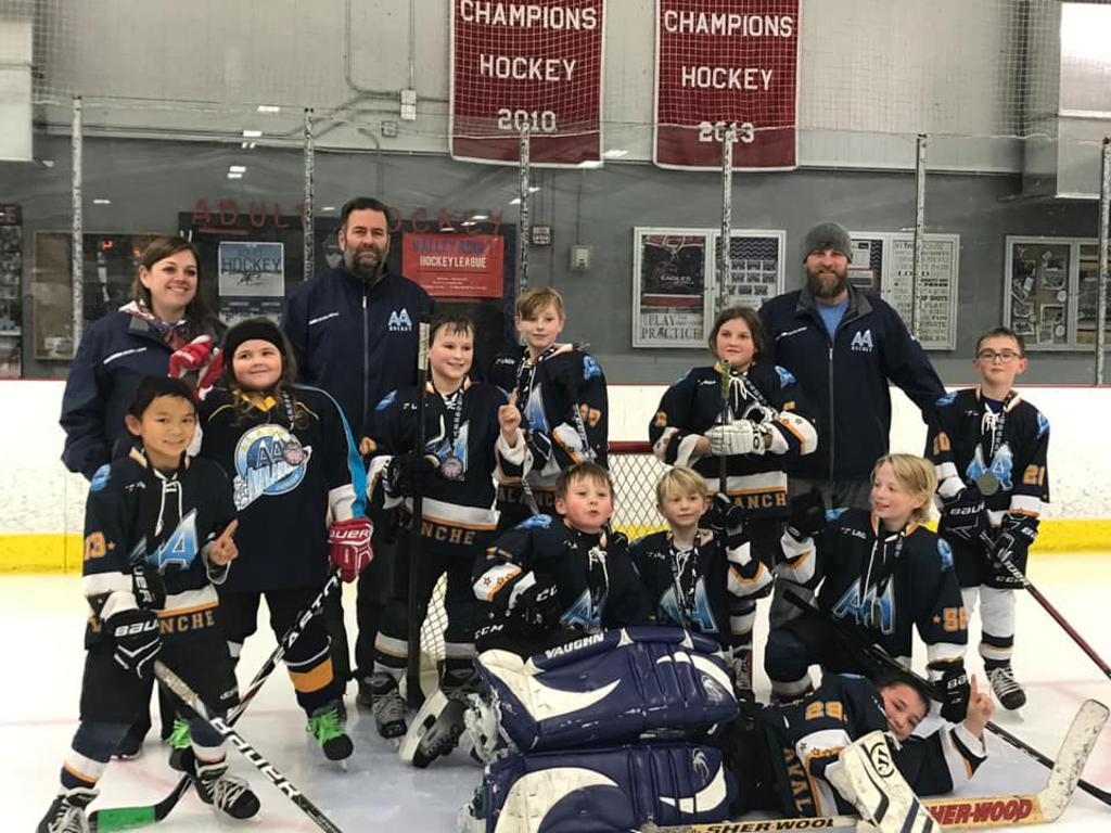 Congratulation to the 10B (2) for winning the Stars and Stripes Half Ice Championship!!