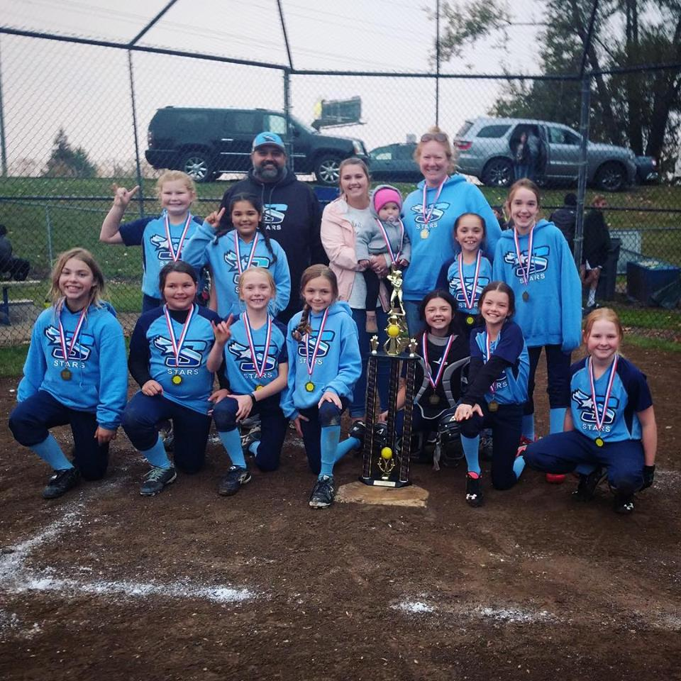 Congratulations to our 10U Stars on their undefeated fall season.  13-0 and first place!!