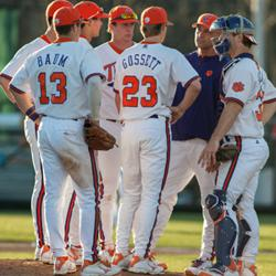 5 Tips For Baseball Coaches To Improve Their Communication Skills
