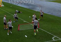 MNUFC Players Warm Up